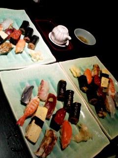 寿司を食す